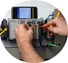 p2000-module-phone-hands